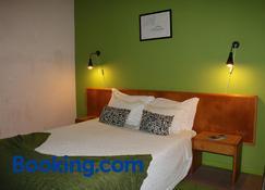 Hospedaria Verdemar - Horta - Schlafzimmer