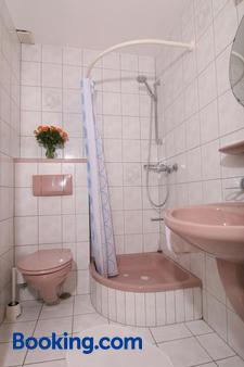 Gästehaus Schmid-Lopez - Bad Wildbad - Bathroom
