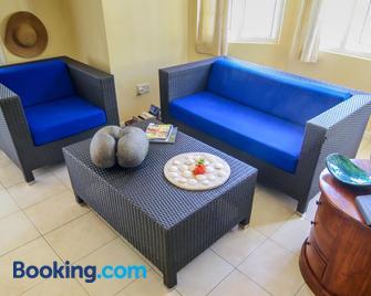 Le Domaine de Bacova - Au Cap - Living room