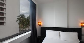 Tune Hotel - Waterfront Kuching - Кучинг - Спальня