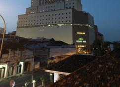 Holiday Villa City Centre Alor Star - Alor Setar - Building