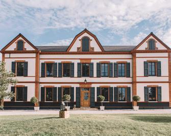 Domaine d'En Fargou - Saint-Sulpice-la-Pointe - Building