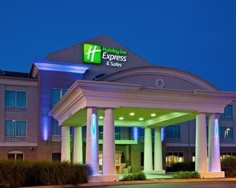 Holiday Inn Express Hotel & Suites Greenwood - Greenwood - Building