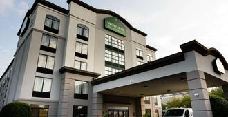 Wingate by Wyndham Greensboro - Greensboro