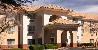 Country Inn & Suites by Radisson, Phoenix Airport - Phoenix - Building