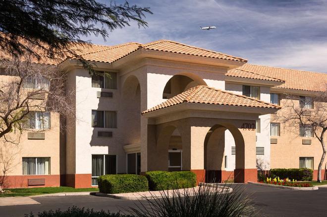 Country Inn & Suites by Radisson, Phoenix Airport - Phoenix - Building