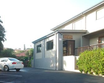 Akidogo Guest House - Amanzimtoti - Building