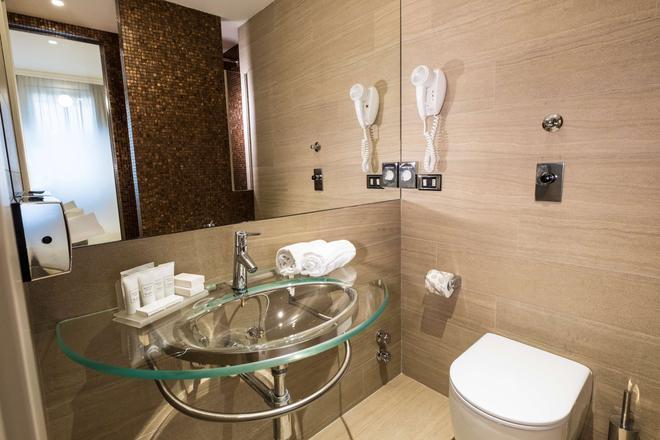 Best Western Hotel City - Milan - Phòng tắm