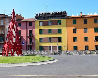 Hotel Mary - La Spezia - Building