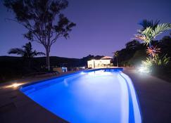 Seclude Rainforest Retreat - Long Island - Pool