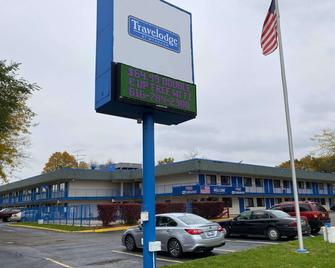 Travelodge by Wyndham Grand Rapids North - Grand Rapids - Building