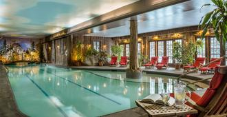 Mirror Lake Inn Resort & Spa - לייק פלסיד - בריכה