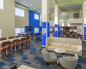 Holiday Inn Express & Suites Raymondville - Raymondville - Lounge