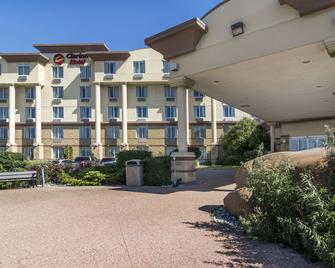 Clarion Hotel & Conference Centre - Sherwood Park - Building