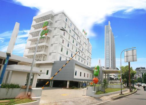 Pop! Hotel Kemang Jakarta - South Jakarta - Building