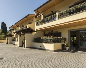 Borgo Castel Savelli - Grottaferrata - Building
