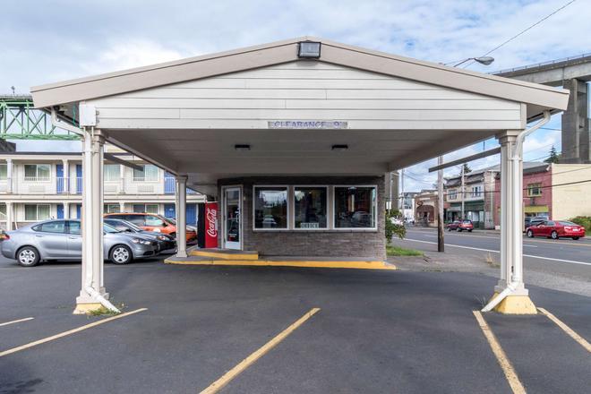 Motel 6 Astoria Or - Astoria - Building