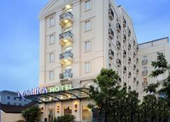 Hotel Namira Syariah Pekalongan - Pekalongan - Gebäude