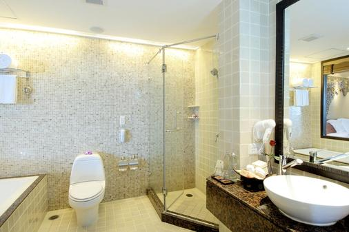 Garden Cliff Resort and Spa - Pattaya - Bathroom
