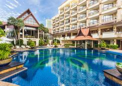 Garden Cliff Resort and Spa - Pattaya - Pool