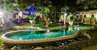 Villa Costa Plenty - Denpasar - Pool