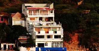 Hospedaje El Shaday - Santa Marta - Building