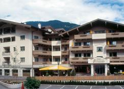 Apart Hotel Garni Strasser - Zell am Ziller - Building