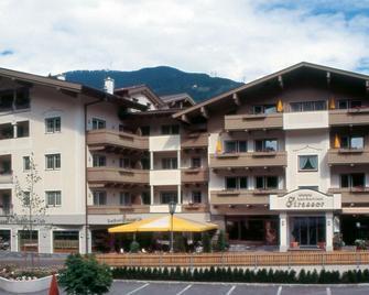 Apart Hotel Garni Strasser - Zell am Ziller - Gebäude