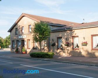 Koll´s Gasthof - Heide - Building