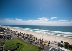 Aloha Apartments - Surfers Paradise - Bãi biển