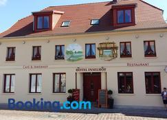 Hotel Inselhof - Malchow - Gebäude