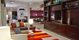 Holiday Inn Charlotte Airport, An Ihg Hotel - שרלוט - טרקלין