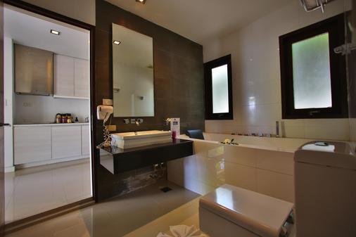 Replay Pool Villa Beachfront Samui - Ko Samui - Bathroom