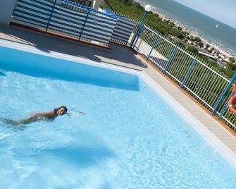 Hotel Atlantic Riviera - Misano Adriatico - Pool