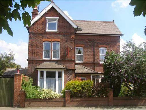 Anton Guest House Bed And Breakfast - Shrewsbury - Building
