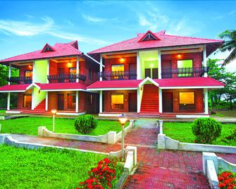 Leisure Vacations Goldfield Lake Resort - Kumarakom - Building