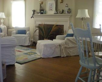 Bay Cottage, Beach 100 Yards Away! Reserve Now!!! - Cape Charles