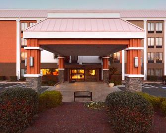 Best Western Plus Wilmington/Wrightsville Beach - Wilmington - Building
