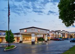 Best Western Plus Milwaukee Airport Hotel & Conference Center - Milwaukee - Bygning