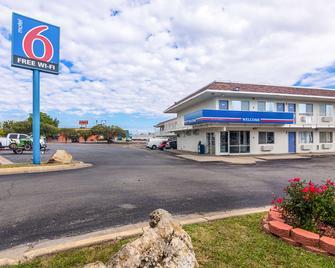 Motel 6 - Ardmore - Ardmore - Building