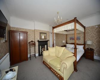 Seabrook House - Hythe - Bedroom