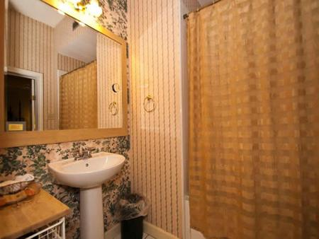 A Yellow Rose Bed & Breakfast - San Antonio - Bathroom