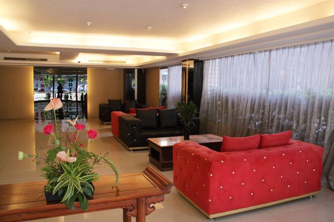 Crystal Hotel Taipei - Taipei