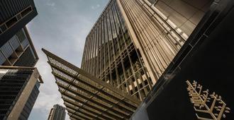 Four Seasons Hotel Dubai International Financial Centre - Dubai - Building