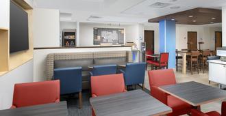 Holiday Inn Express San Antonio N-Riverwalk Area - San Antonio - Lobby