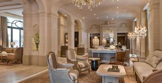 Hotel de Crillon - Pariisi - Oleskelutila