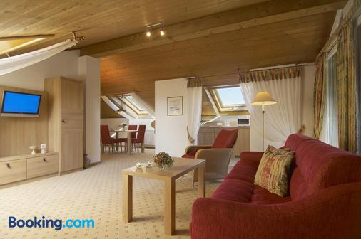 Landhaushotel Hof Wasserkuppe - Poppenhausen (Hesse) - Living room