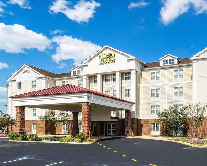 MainStay Suites - Dover - Building
