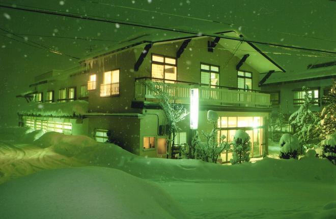 Ougiya Ryokan - Hakuba - Building
