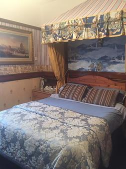 Admiral Guest House - Lincoln - Bedroom
